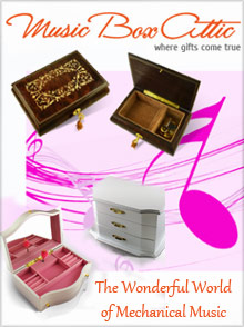 Image of romantic music box from Music Box Attic catalog