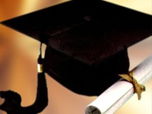 A list of the top ten college graduation gifts