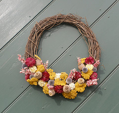 Dried flower wreath is one of the top ten easiest crafts
