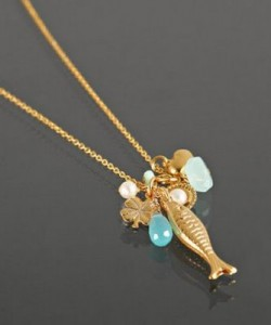 A light necklace is one of the top ten essential jewelry pieces