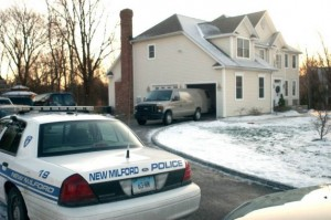 Police notice is one of the top ten going on vacation home safety tips