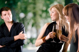 top 10 signs shes not that into you looking at other men