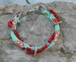 Free Craft Fair beaded bracelet