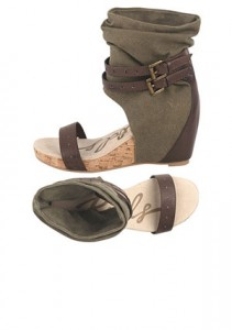 The bandal is a spring and summer shoe trend