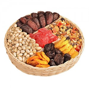 Gift baskets make a great spring picnic to give or receive