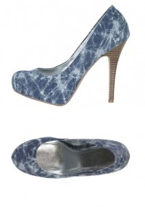 Print heels are a spring fashion trend