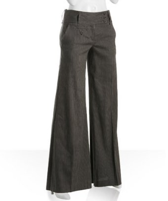 Wideleg pants are a slimming fashion tip