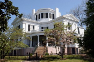 A list of the top ten historic home renovation tips