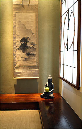 Top 10 Ways to Use Modern Asian Art in Decorating