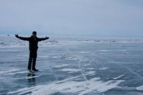A list of the top ten tips for walking on ice