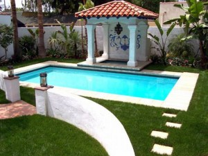 A list of the top ten tips for buying pool algaecide