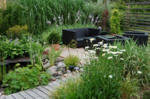 top 10 landscape garden tips add depth
