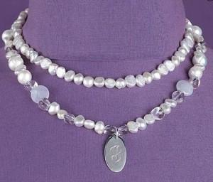 personalized pearl necklace