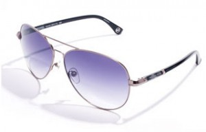 Sunglasses with colored lenses