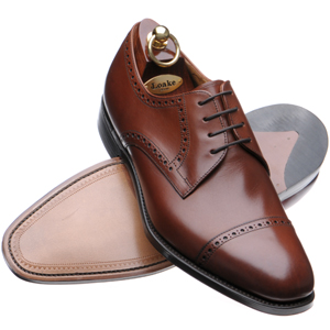 With wingtips