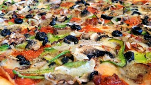 Pizza with green peppers