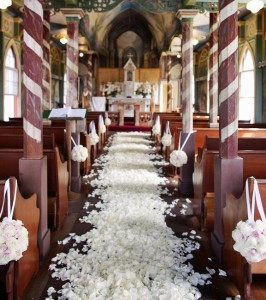 wedding ceremony decorations in church