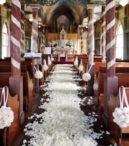 wedding ceremony decorations in church