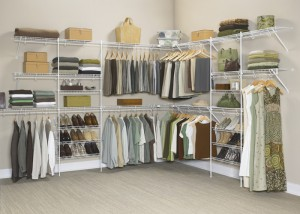 closet with shelving system