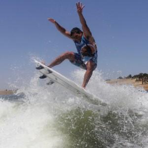 Wakesurfing