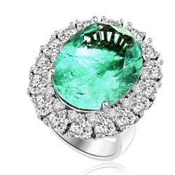 cocktail ring at Diamond Essence