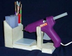 Hot glue gun and stand