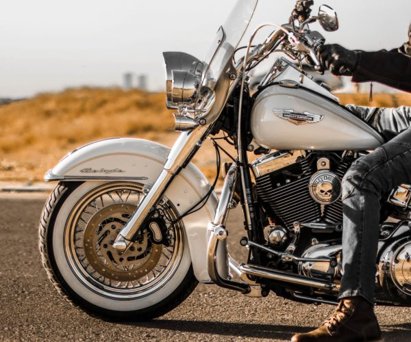 What are the 10 Best Summer Motorcycle Riding Accessories?