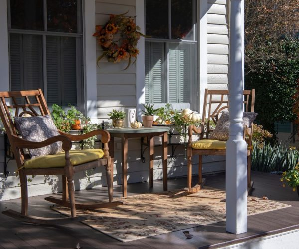Easy Chic Fall Porch Decorating Ideas for You to Learn