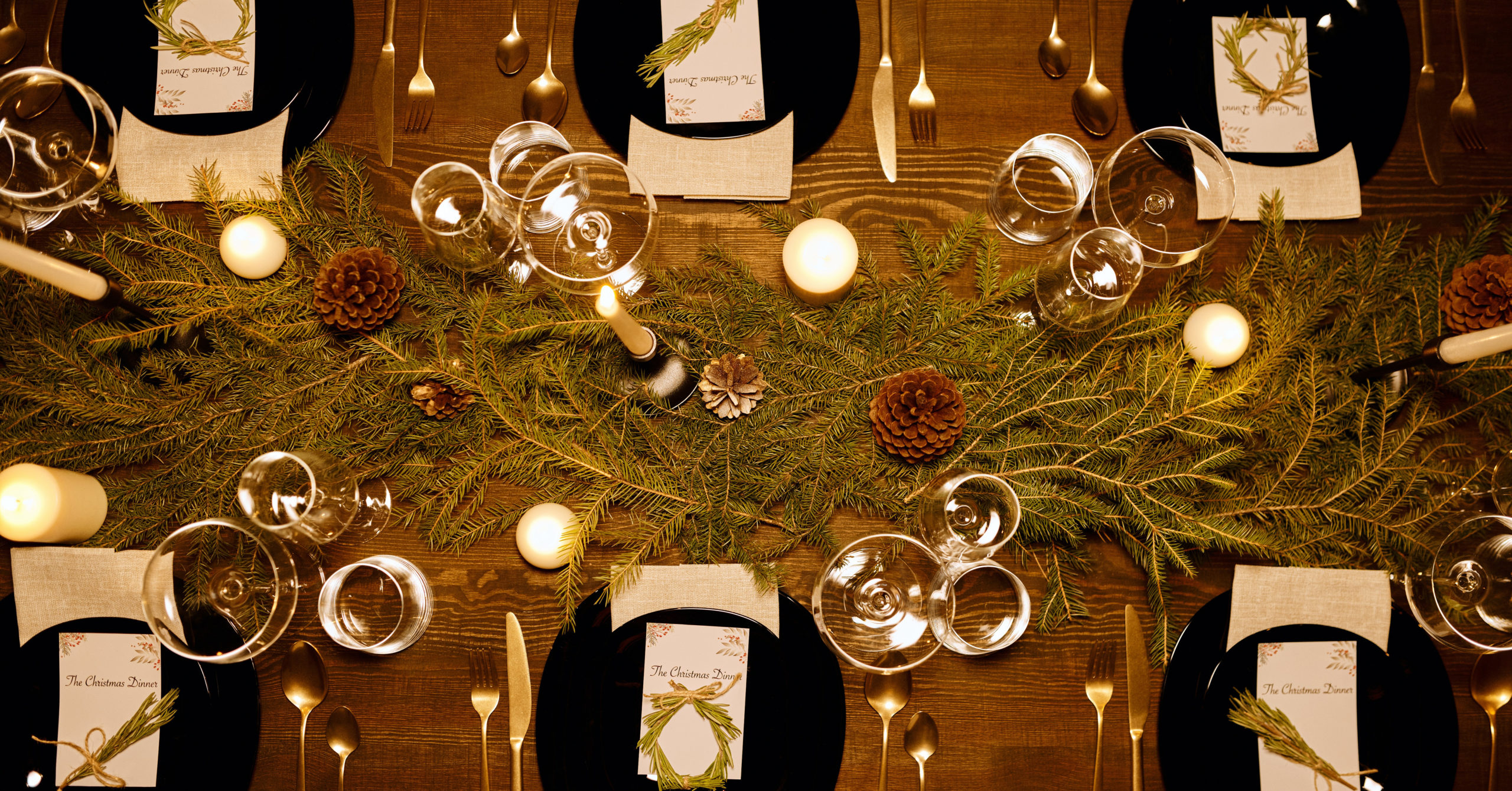 Creative Holiday Centerpiece Ideas That Are Easy On Your Wallet